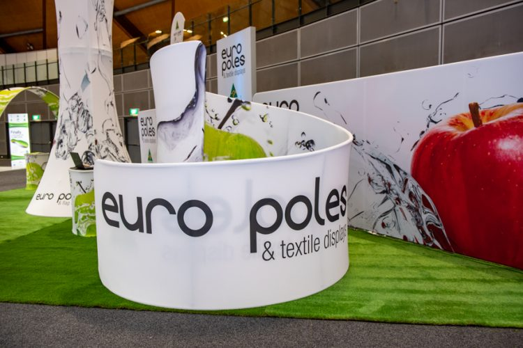Euro Poles and Flag Displays_A47-003